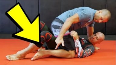THE #1 MISTAKE FROM MOUNT POSITION, and how to fix it ROGER GRACIE style